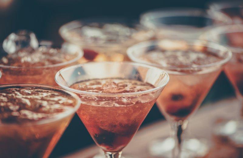 Cocktails mit Crushed Ice aus dem Zerkleinerer