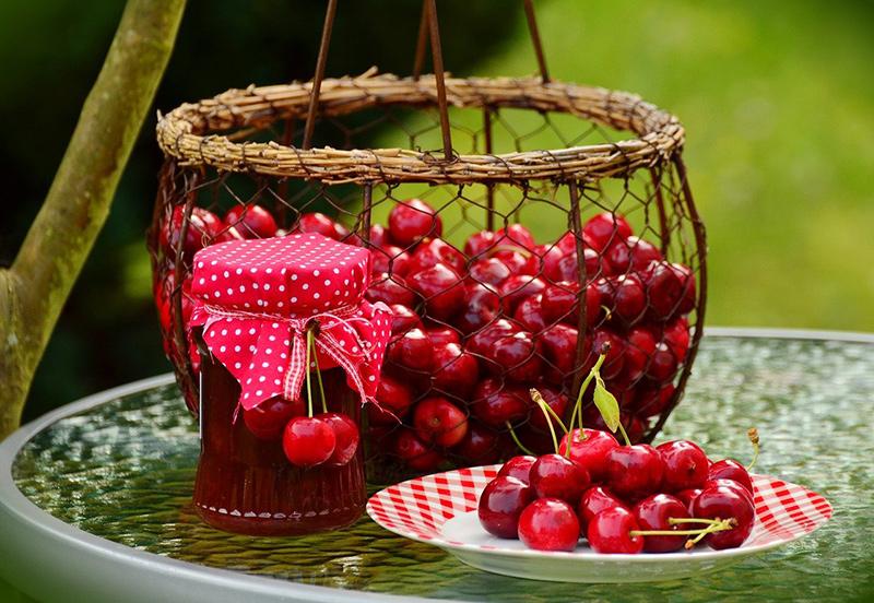Marmelade aus Kirschen