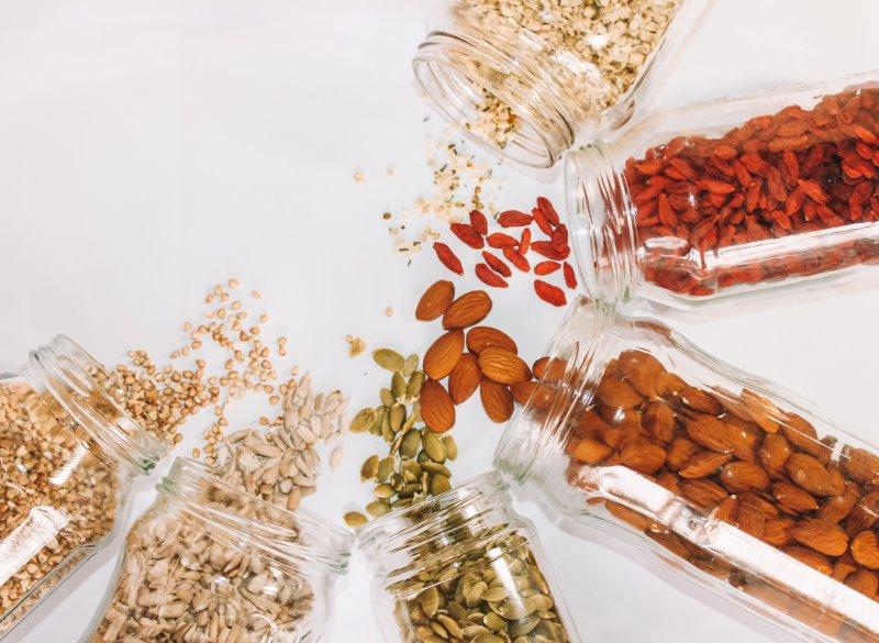Nüsse und Kerne für den Zerkleinerer