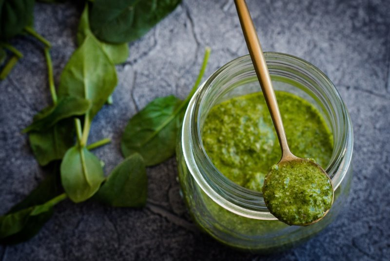 Pesto im Zerkleinerer zubereitet