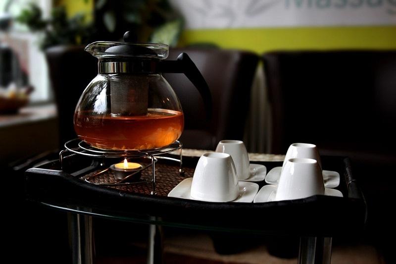 Teekanne mit Stoevchen
