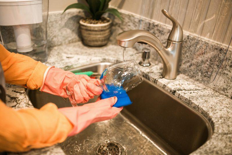 Gläser können auch sehr gut in kleinen Spülmaschinen gewaschen werden.