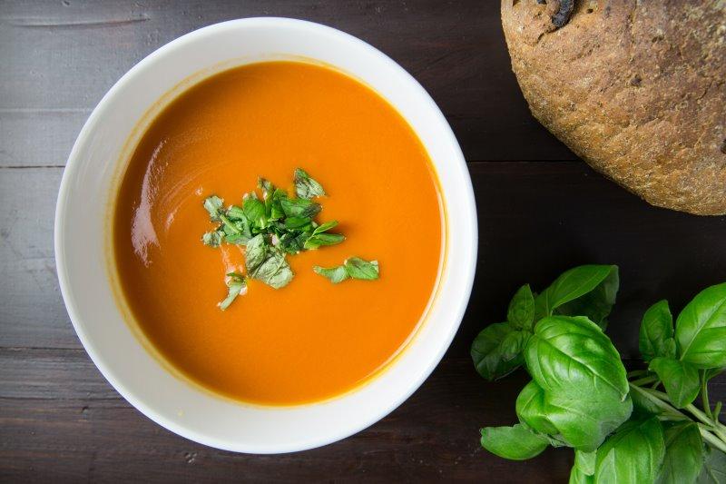 Egal ob Suppen oder Potage - beides gelingt ganz einfach! Mit Hilfe der Flotten Lotte kannst Du sie ganz einfach herstellen.
