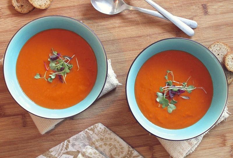 Mit einem Nutribullet kannst Du auch eine Suppe in wenigen Minuten machen.